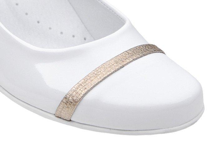 Balerinki buty komunijne KORNECKI 6127 Białe Lakierki