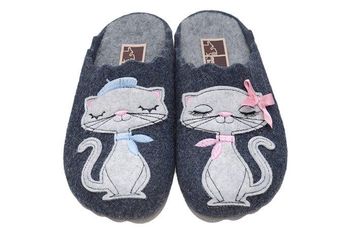 Kapcie MANITU 320573-5 Granatowe Pantofle domowe Ciapy